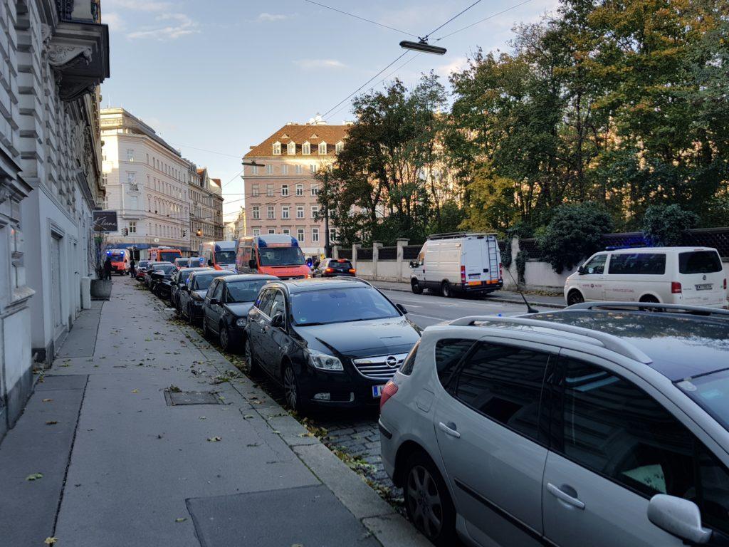 Einsatzfahrzeuge auch Liechtensteinstrasse